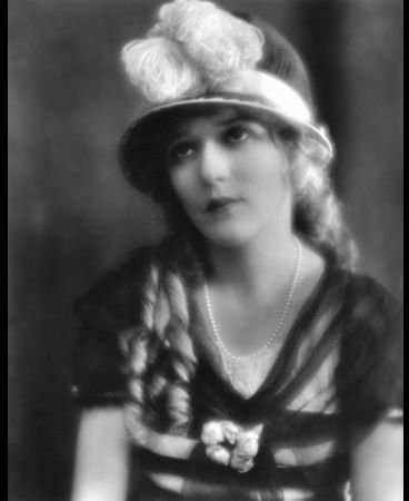 743664_MaryPickford456981 (368x450, 19Kb)