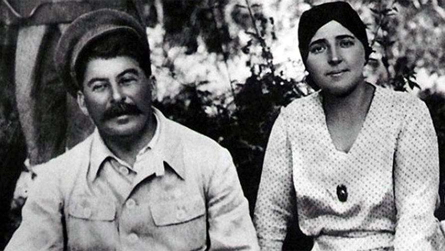 Надежда Аллилуева — жена Сталина, замужем за тираном, биография