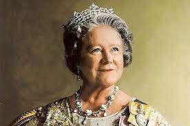 Королева-мать Елизаветы II (Леди Елизавета Боуз-Лайон)