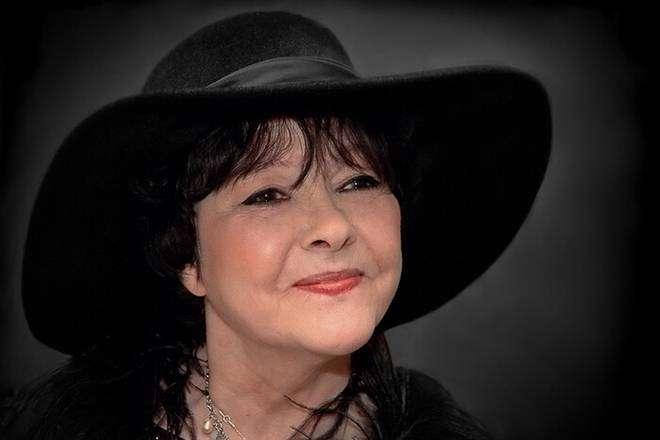 Белла Ахмадулина — поэтический голос 60-х, саундтрек к «Иронии судьбы»