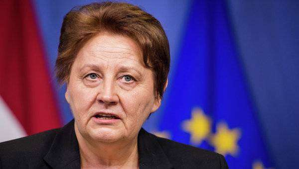 Лаймдота Страуюма — биография, премьер-министр Латвии