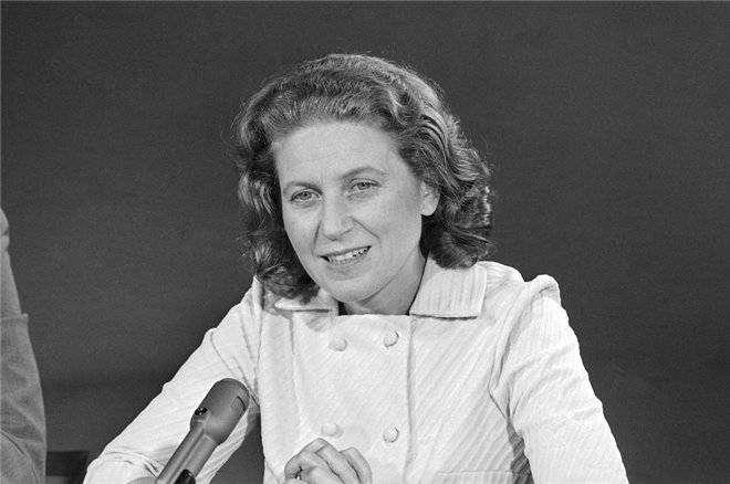 Светлана Аллилуева — дочь Сталина окончила свои дни в США