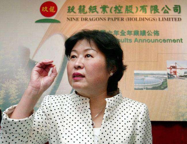 Чжан Инь — женщина заработала миллиарды на мусоре