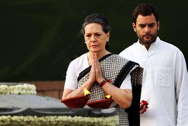 Соня Ганди. Итальянка возродила династию Ганди.