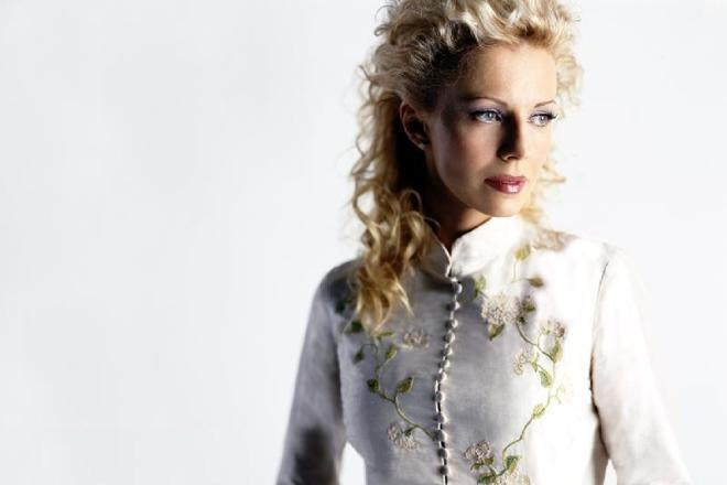 Наталья Ветлицкая — биография, «Глаза цвета виски», «Посмотри в глаза», Playboy, «Раба любви».