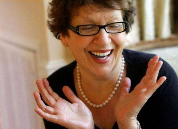 Зоя Рейзис — основала бренд ZOYA — нетоксичные лаки для ногтей