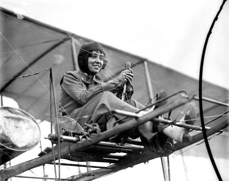 Бланш Скотт — первая женщина-пилот в США