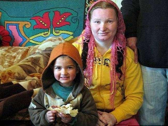 Рифка Станеску — самая молодая бабушка в мире (ФОТО).