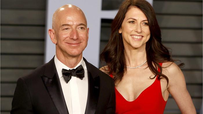 Маккензи Безос — жена Джеффри Безос — основателя Amazon.com