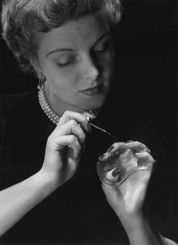 Джульетт Марлен — придумала необрезной маникюр и наращивание ногтей
