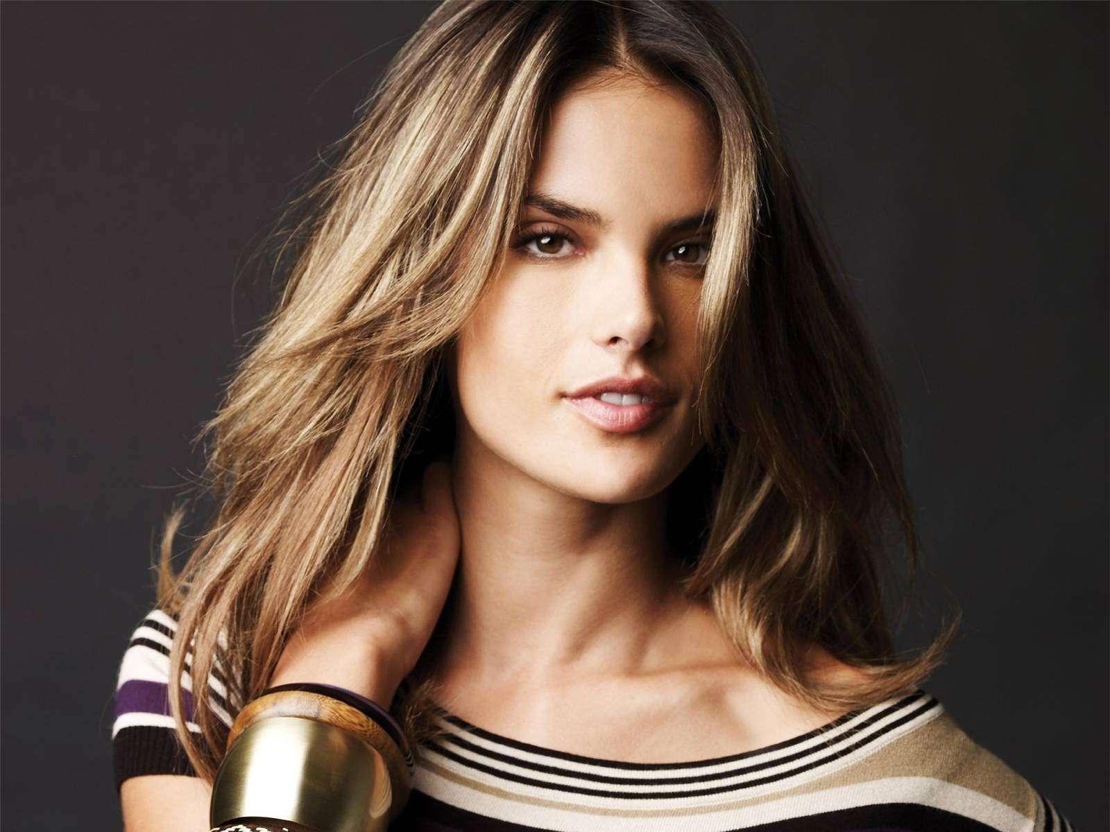 Алессандра Амбросио: эталонная красота совершенства