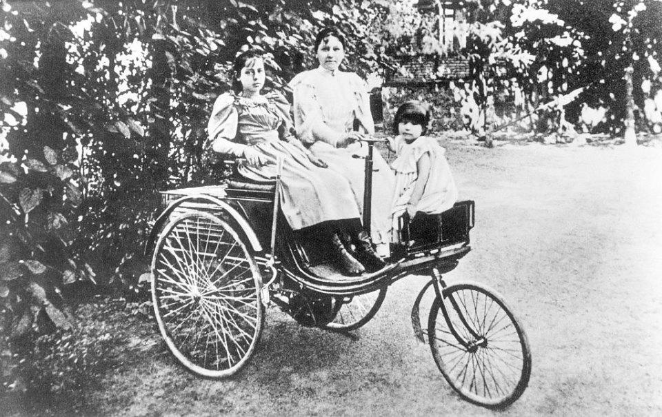 Берта Бенц — популяризатор автомобиля, жена Карла Бенца