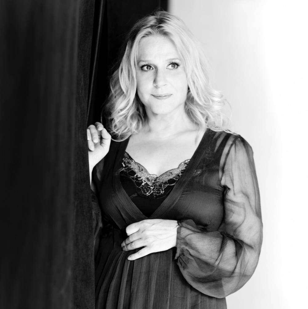 Анна Каменкова — звезда к\ф «Молодая жена» озвучила более 1000 фильмов