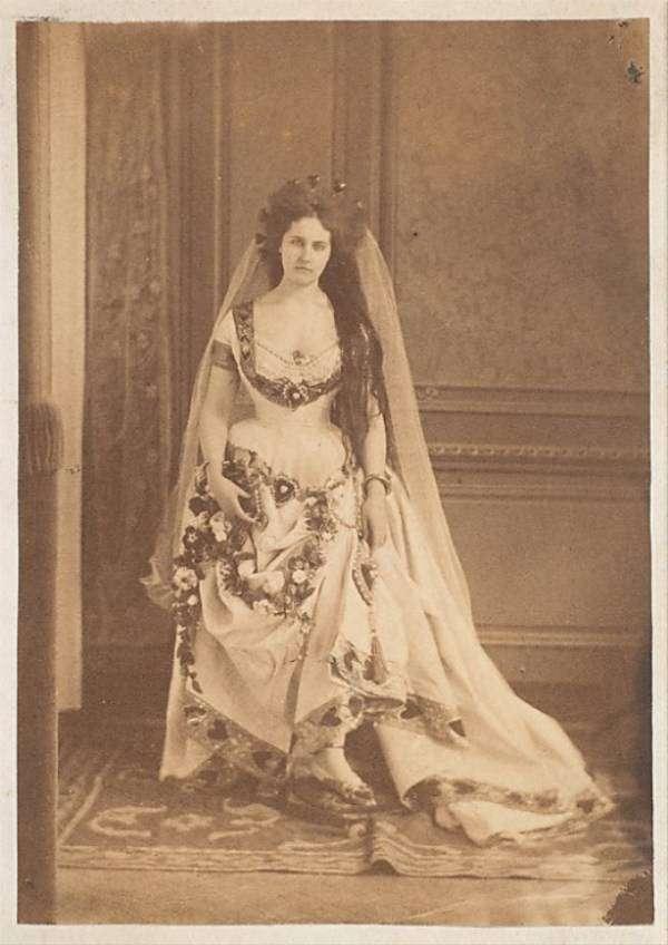 Вирджиния ди Кастильоне — первая в мире фотомодель