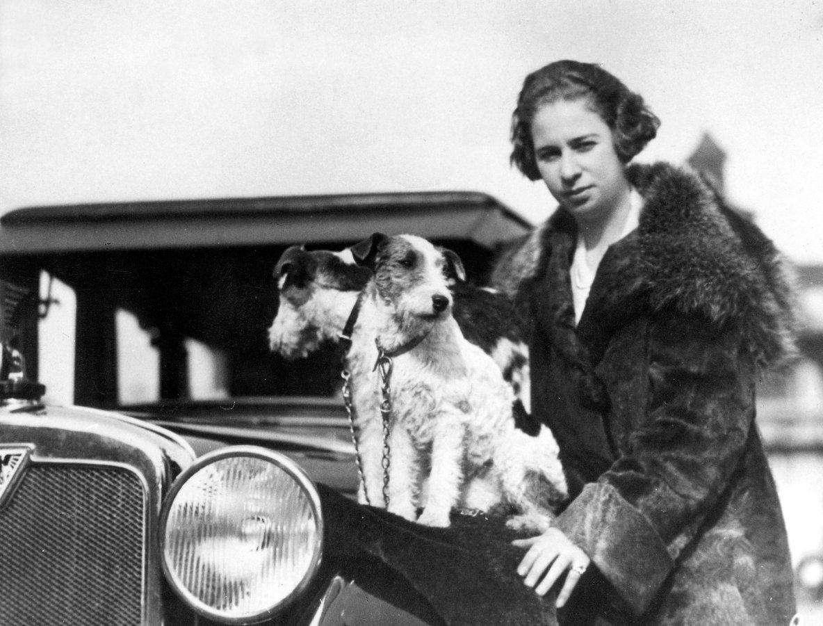 Кларенол Стиннес — первой объехала на авто вокруг света