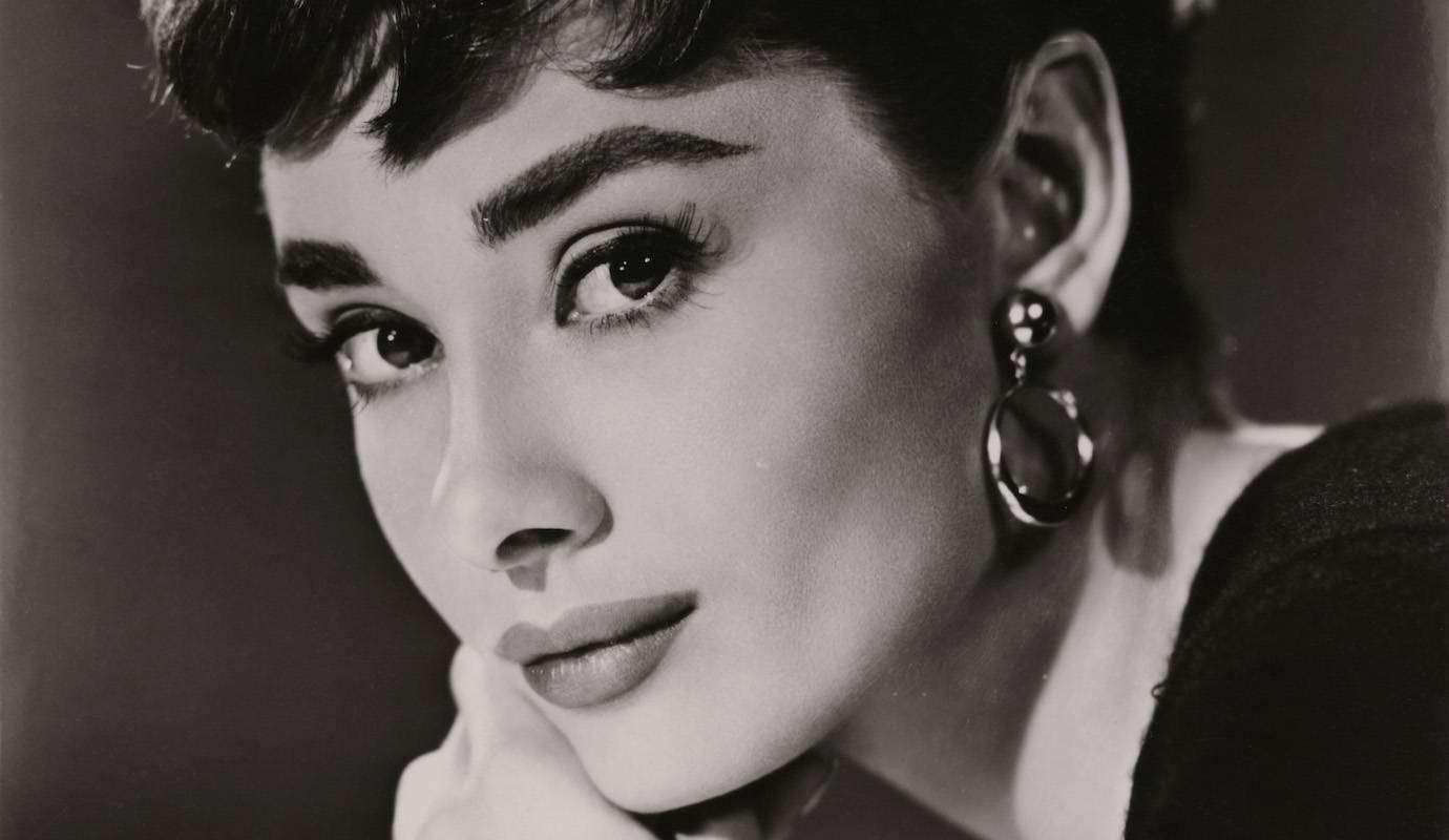 Одри Хепберн: биография королевы экрана