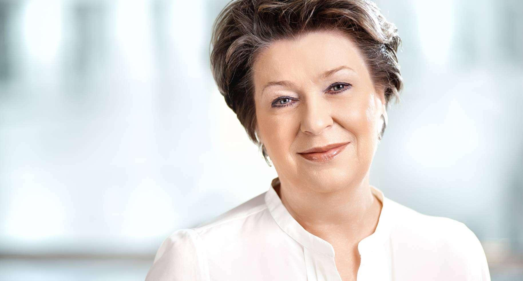 Ирэна Эрис — косметический бренд Dr Irena Eris, первой использовала в косметике Фолацин и витамин К
