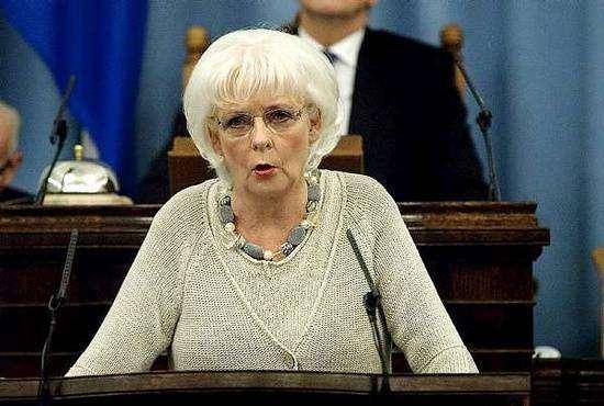 Йоханна Сигурдардоттир — премьер-министр Исландии занет, как победить «кухонную революцию»