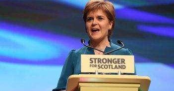 Никола Стерджен — первая женщина — глава Шотландии