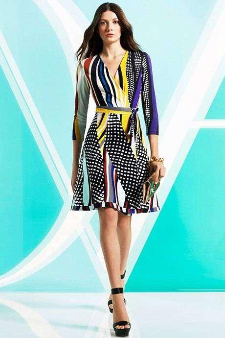 Диана фон Фюрстенберг — ввела моду на платья с запахом (платье Wrap)