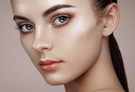 Что такое стробинг в макияже?